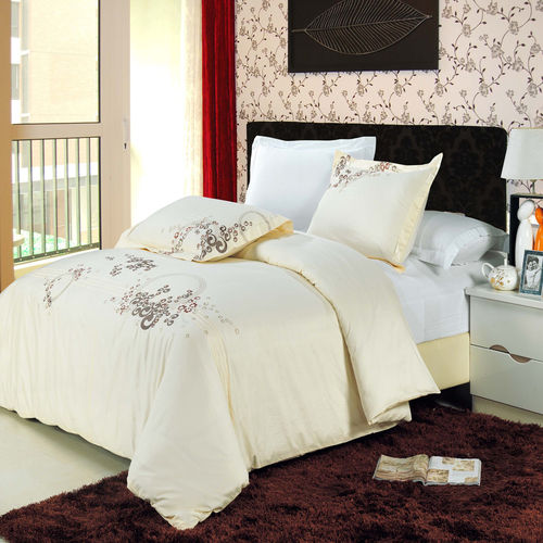 Sophia Combed cotton Embroidered Duvet Cover Set